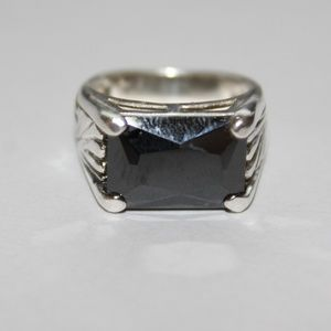 Sterling silver ring dark blue stone sz.6.5